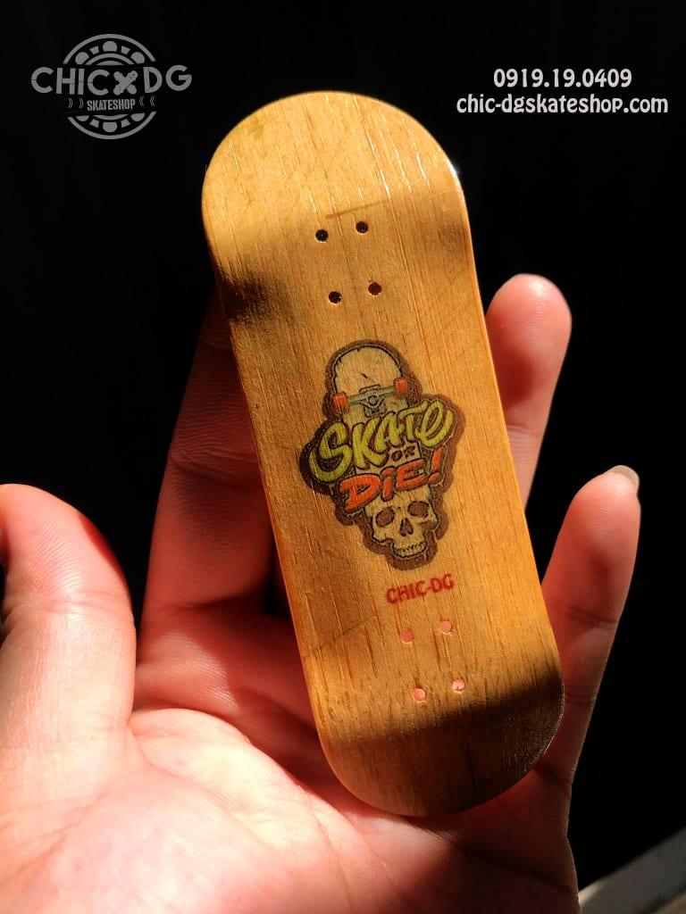 Ván trượt ngón tay bằng gỗ Chic-DG Skateshop